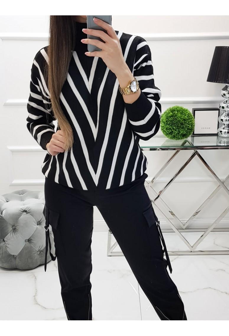 Rolákový sveter Stripes - čierno-biely