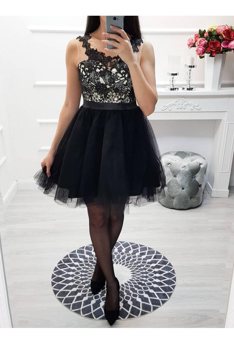 Krátke spoločenské šaty Adele - čierne a1da9a447d0