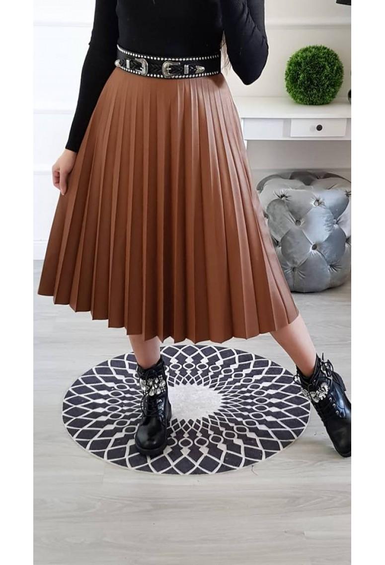 Koženková plysovaná sukňa - škoricová